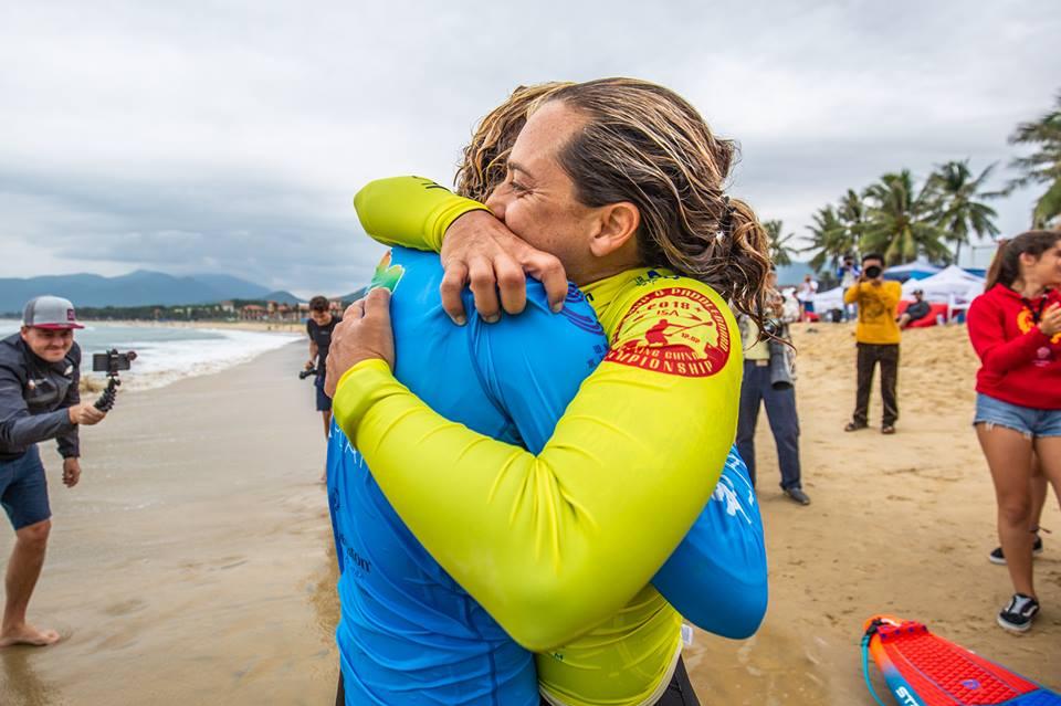 Shakira-Westdorp-is-now-3-x-World-Champion-ISA-SUP-World-Championships-Riyue-Bay-Wanning-China-Credit-Georgia-Schoefield-4