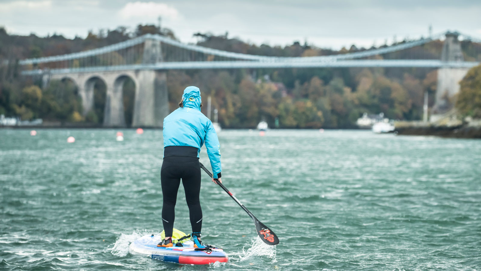 Starboard-SUP-Paddle-board-Ocean-Ambassador-Cleaning-Up-with-with-Eco-Warrior-Sian-Sykes-Porsche-Cayenne-E-Hybrid-paddling