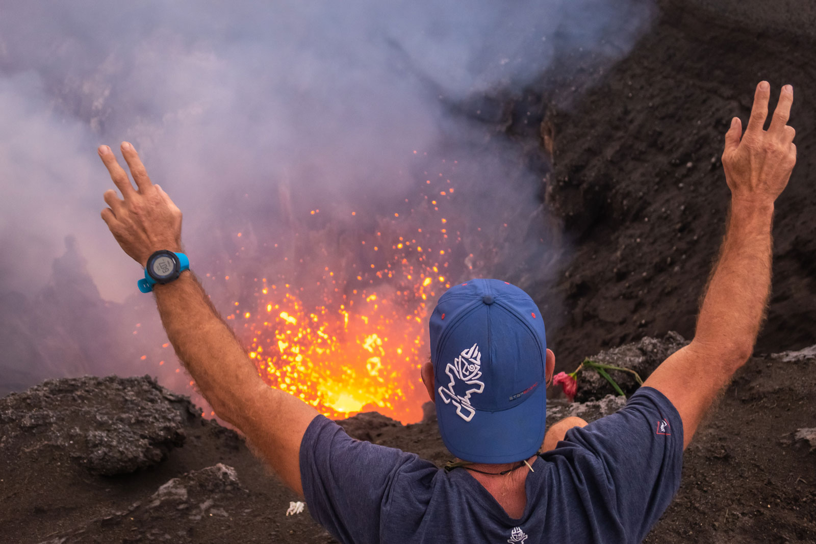 Starboard-SUP-Bart-de-Zwart-Trevor-Tunnington-Explore-the-Islands-of-Vanuatu-by-Stand-Up-Paddleboard-volcanoe-erupt