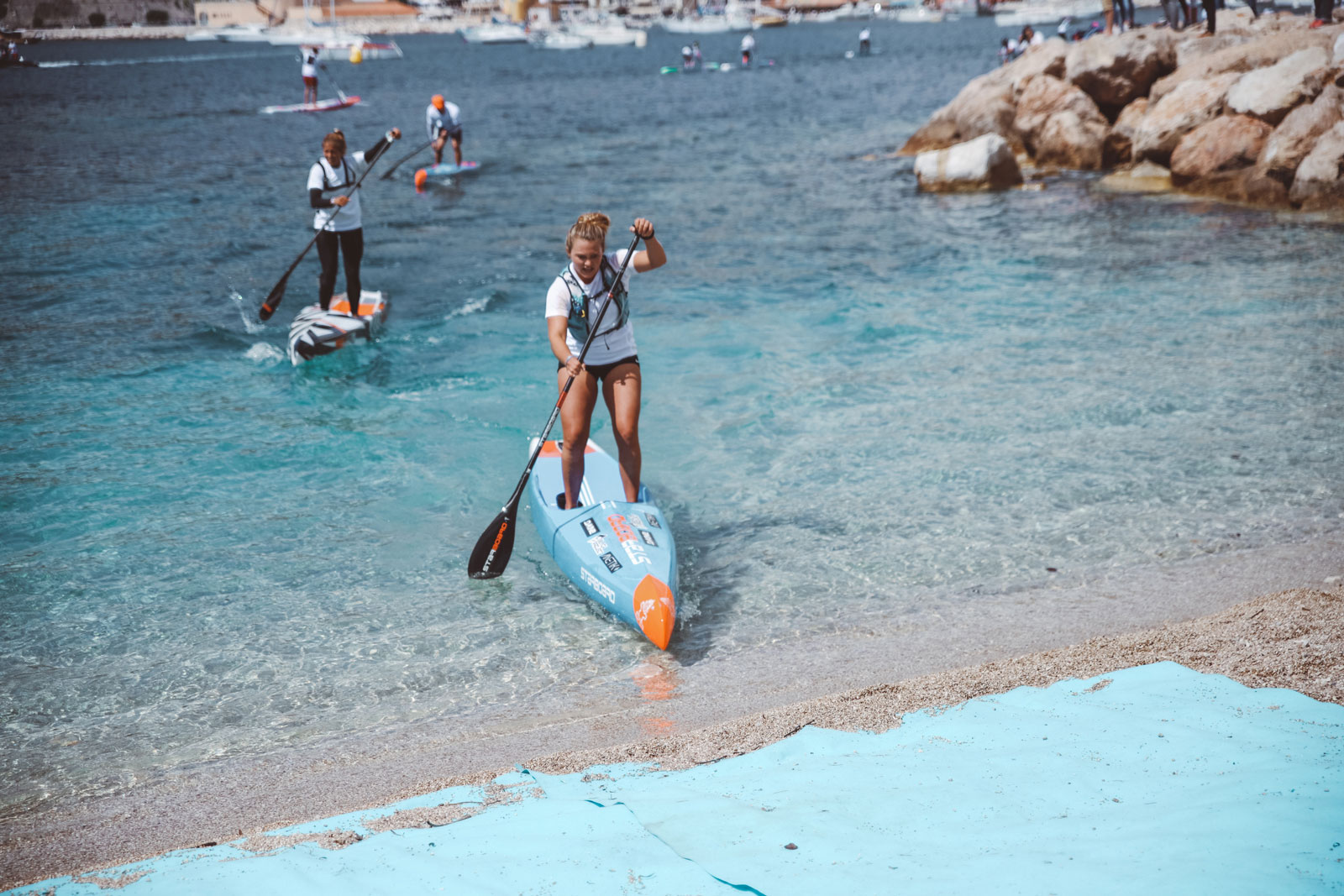 Starboard-SUP-Stand-Up-Paddleboarding-Michael-Booth-Fiona-Wylde-Win-2019-Azur-Paddle-Days-Race-Event-France-Fiona-Finish-Line