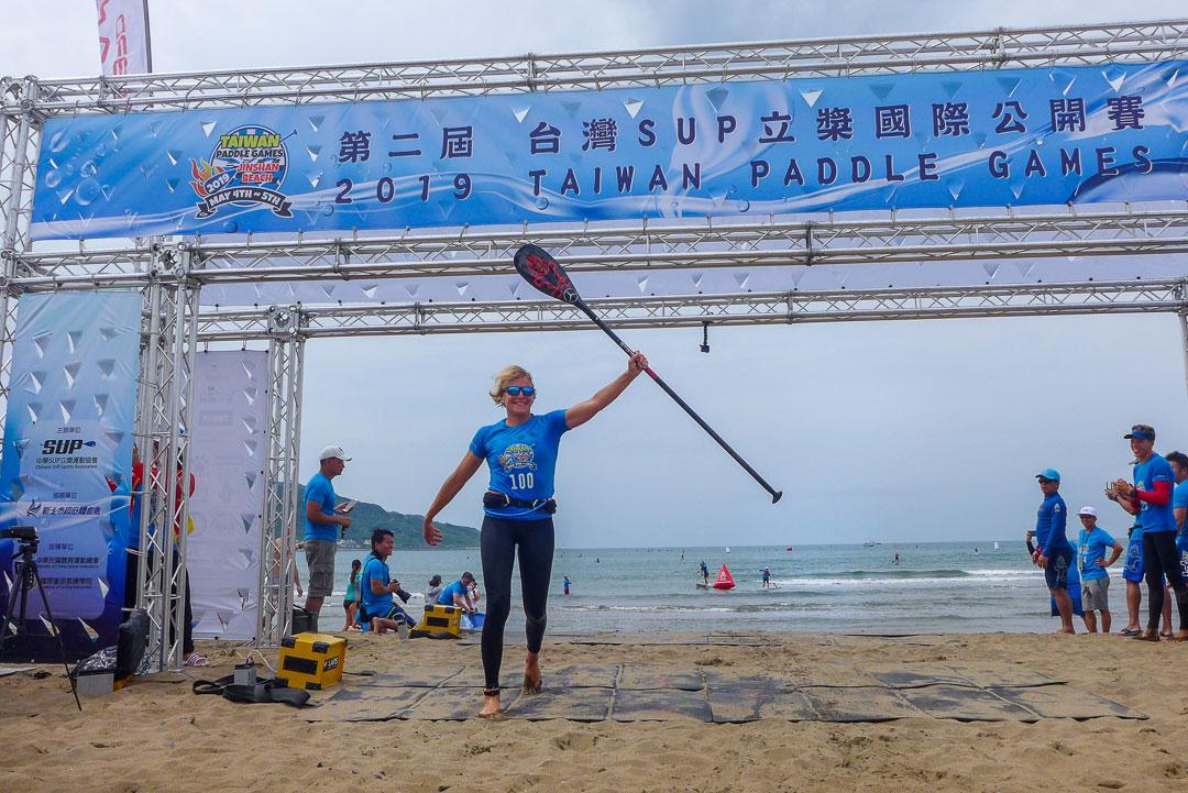 starboard-sup-stand-up-paddling-paddle-board-2019-Taiwan-Paddle-Games-Sai-Nepaka-sonni-finish