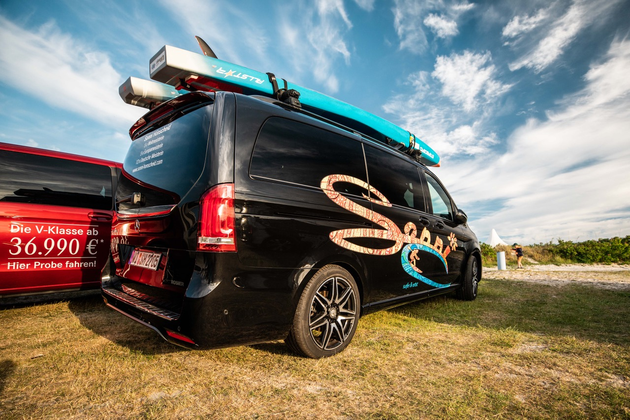 Sonni Hoënscheid Talks at Surf Festival Fehmarn mercedes benz roiders academy speach m2o experience sup paddle boards on car