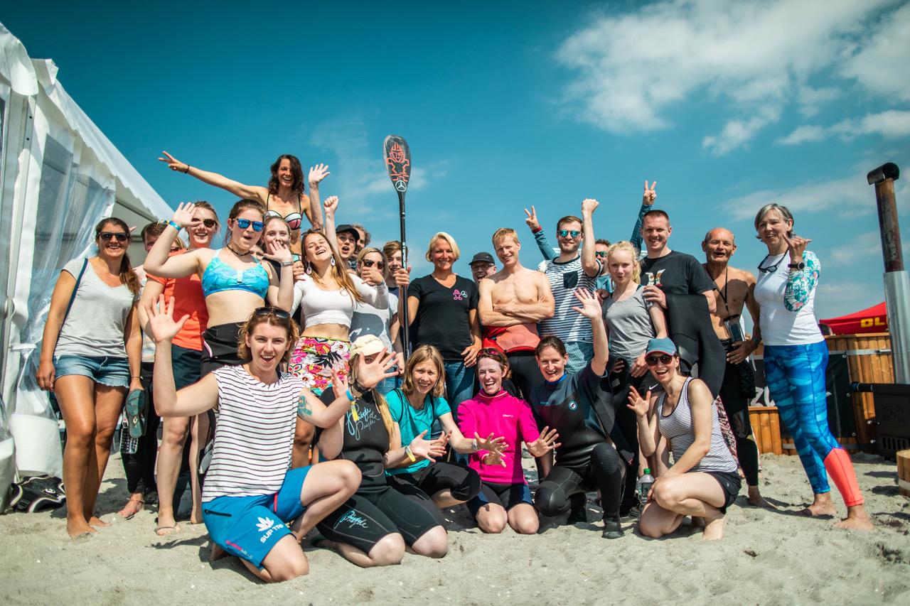 Sonni Hoënscheid Talks at Surf Festival Fehmarn mercedes benz roiders academy speach m2o experience team shot